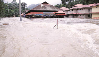 Kerala flood: Death toll rises to 324, fresh red alert in 13 districts of Kerala